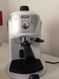 Delonghi Motivo Coffee Maker with separate Crofton Milk Frother