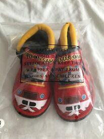 Boys fireman Sam slippers size 9 infant