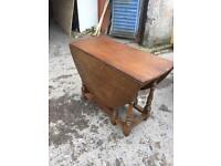 Drop leaf table x4 chairs