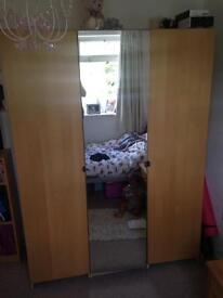 Wardrobe with 3 sections and 1 mirrored door