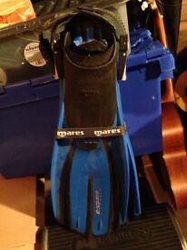 Pair of Mares plana avanti x -3 fins in blue
