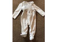 Cute Teddy outfit 3-6 Months.