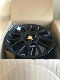 4x 17' Black alloy wheels