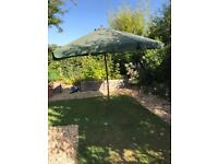 Large Outdoor Umbrella Sun Shade Garden Parasol Patio Cover With Wooden Pole And Green Canopy