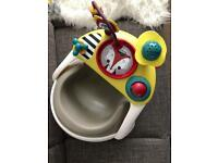 Mamas&papas baby snug with a toy tray