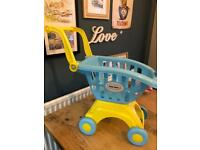 Toy shopping trolley little tikes