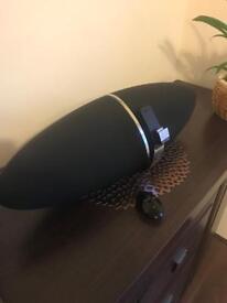 Zeppelin Air B&W speakers/dock