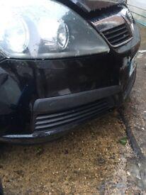 Zafira B. Black bumper in very good condition