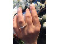 Stunning engagement ring white gold
