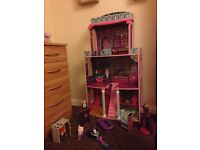Dolls house 4ft + 2x equestrian dolls/furniture/accessories (for barbie size or smaller dolls)