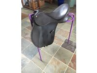 "Wintec Fully Adjustable Saddle - Brown - 43cm (17"")"
