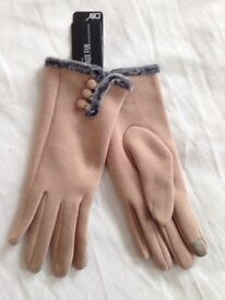 Ladies Gloves - new with tags