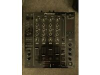 Pioneer DJM850 - SubPac M2 - Native Instruments D2
