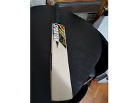 Details about Powerfull English Willow Cricket Bat HUGE 38 mm Edge 8 Top Grains 2.6 Weight