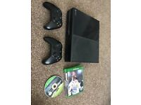 Xbox One bundle - 2 controllers and 9 games incl. FIFA 18, Assassins Creed Origins & Forza Horizon 3
