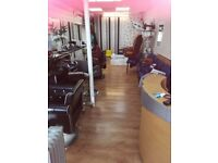 Salon Chair for RENT. MUA,Hairdressers,Barbers welcome. £20 per day. Busy Thornton Heath. OPEN 7 DAY