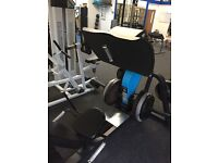 Plate loaded leg press machine