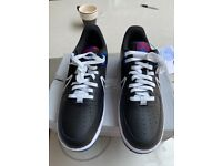 NEW NIKE TRAINERS AIR FORCE 1 UK Size 8.5