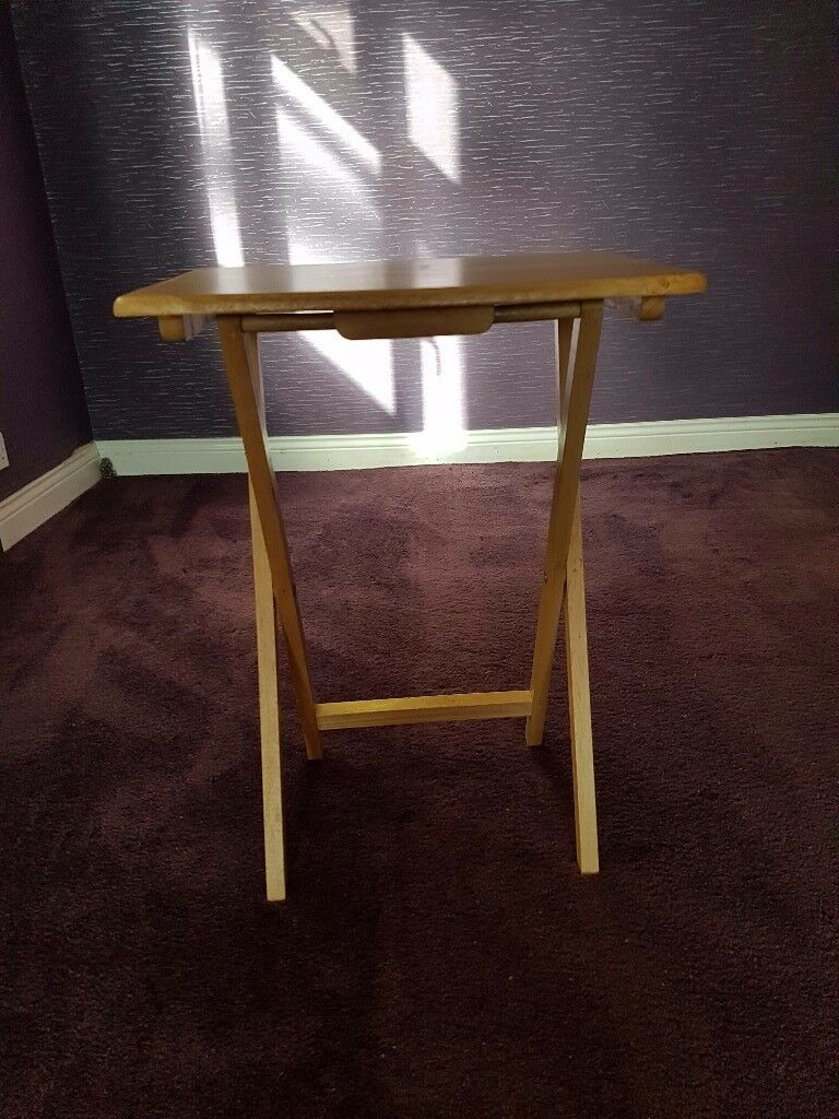 MINI TABLES-SET OF TWO-FOLDABLE- very goos condtion