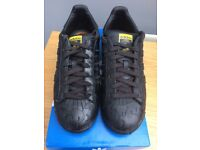 Adidas Pharrell Williams Superstar Trainers- Size 7 - Black (Rare Limited Edition)