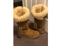 Plumdale UGG boots UK 4.5 dc52852fc