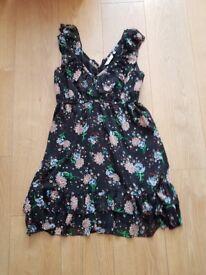 Flowery dress size 14