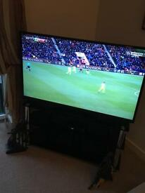 Hitachi 48 inch smart TV with stand