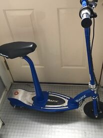 Razor E100S Electric Scooter With Seat – Blue