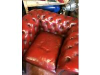 3 piece leather sofa in red.