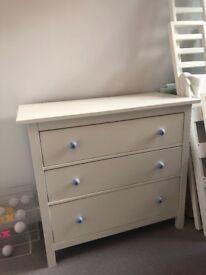 Ikea Hemnes Chest of Drawers/Dresser - white, 3 drawers, Custom knobs