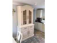 French dresser with matching dining table & 6 padded chairs
