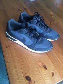 Men's Nike trainers size 11