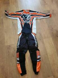 Kids wulf sport mx kit age 8-10