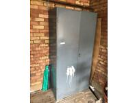 Metal storage unit