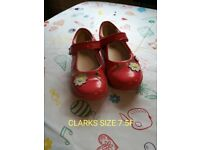 Pink girls shoes 7.5 f clarks