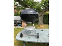 Weber 57 cm Charcoal BBQ