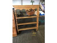 LOVELY SOLID PINE WALL MOUNTED PLATE RACK - CAN DELIVER