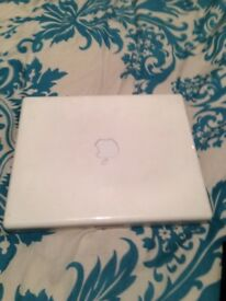 Apple iBook G4 white laptop