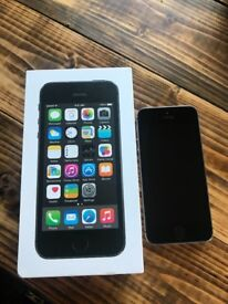 Unlocked Apple iPhone 5S Space Grey 16GB Boxed, in Very Good Condition