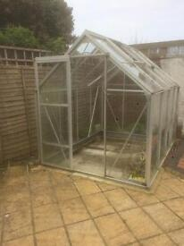 Greenhouse. Free to collecter.