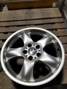 """Mags *ORIGINAL* BMW 18""""x8.5 fits most bmws 50$ Per Mag!! 200$ for the set!!!"""
