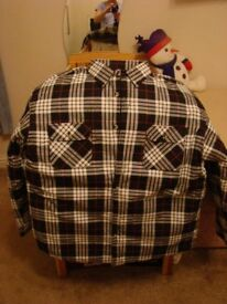 New mens padded shirt by Magneto, size XL