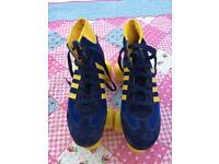 Retro roller skates size 6
