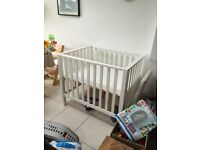 Baby playpen / day bed