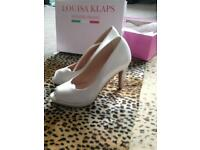 BEAUTIFUL BRIDAL SHOES - BRAND NEW & BOXED! Size 5: pure Italian leather designer HEELS!