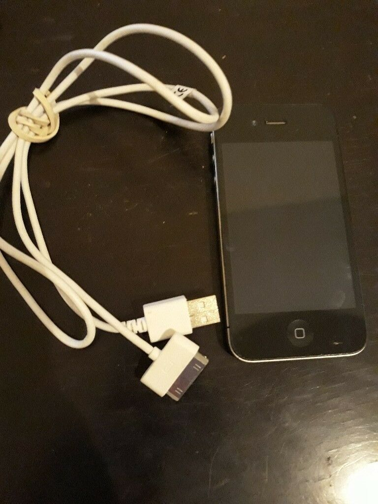 iphone 4s works absolutely fine, in great condition
