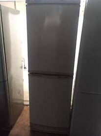 Hotpoint creamy good looking frost free A-class fridge freezer cheap bargain
