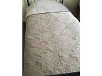 Dorma Arabesque quilted style bedspread (fits king)