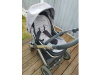 BabyStyle Oyster pushchair, carrycot with grey&black colour pack plus extras