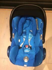 Cabrio fix maxi Cosi car seat + 2 bases